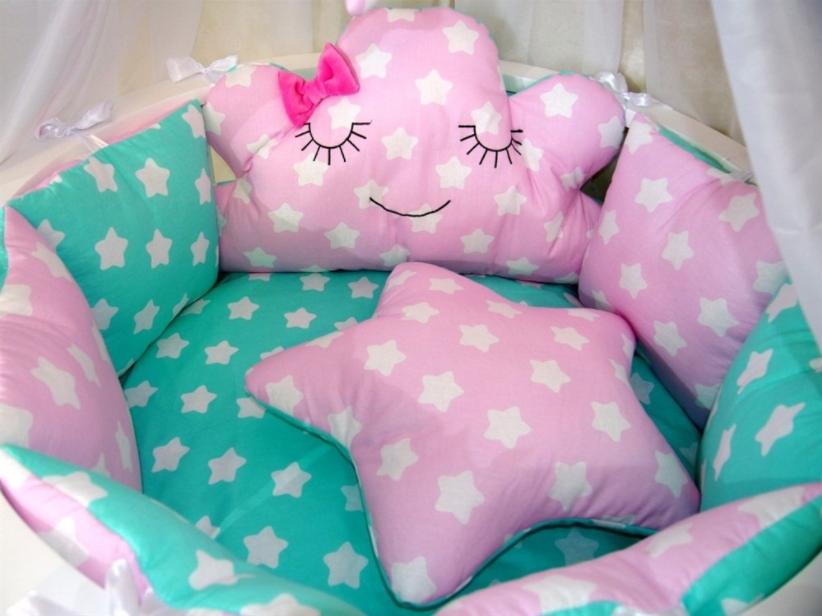 Простыня в детскую овальную кроватку